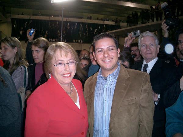 Junto a la Presidente Michelle Bachelet, 2006